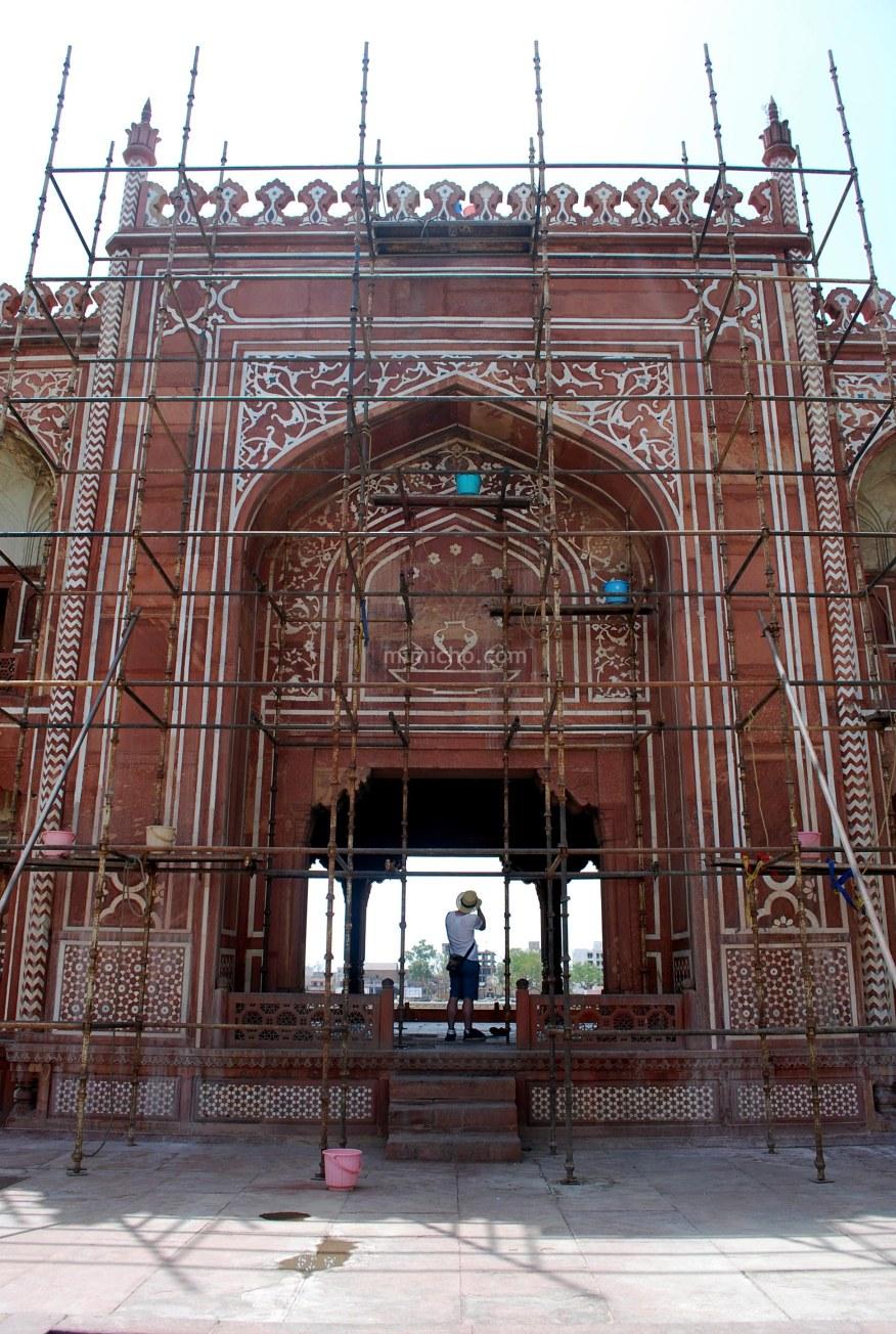 Maintenance at the Baby Taj, Agra