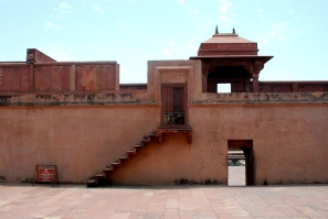 Abandoned city walls, Bharatpur