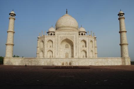Morning sunlight on the Taj Mahal