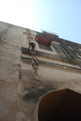Maintenance at the Agra Fort